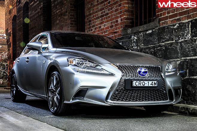 Lexus -IS-front