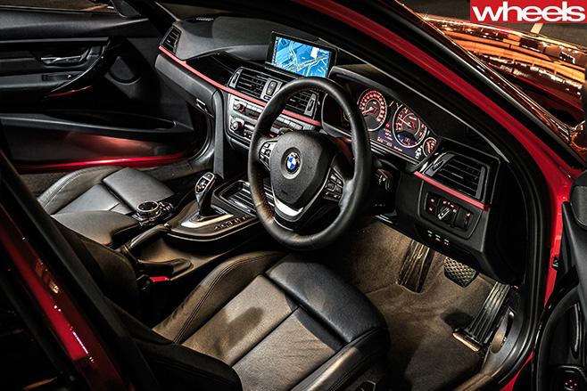 BMW-3-Series -interior