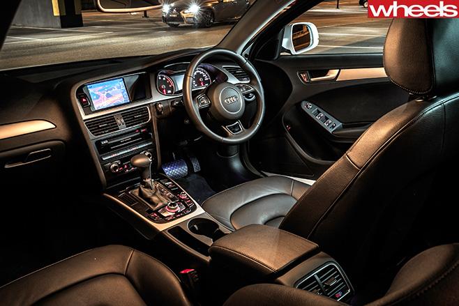 Audi -A4-interior