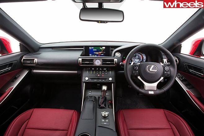 Lexus -Is 200t -interior