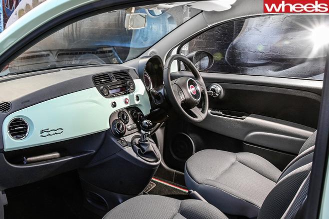 Fiat -500-interior