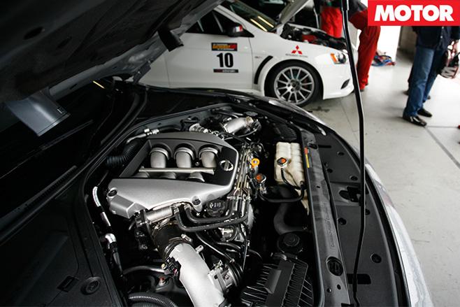 Nissan gtr bathurst 6