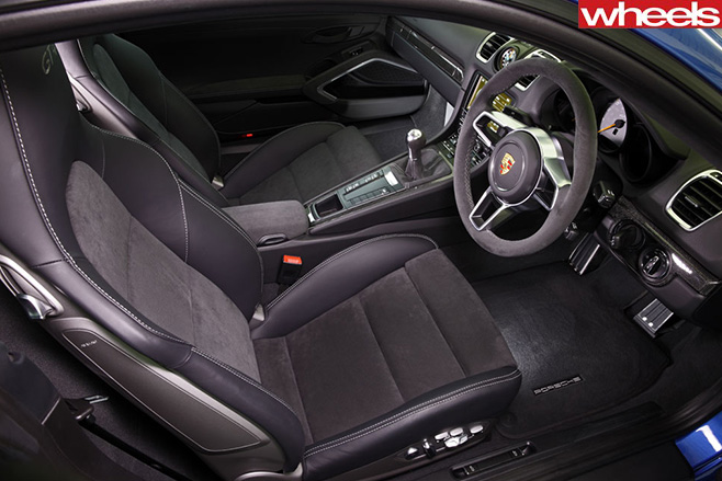 Porsche -Cayman -GT4-interior