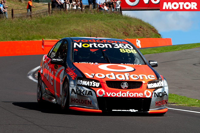 V 8-bathurst -racers -5