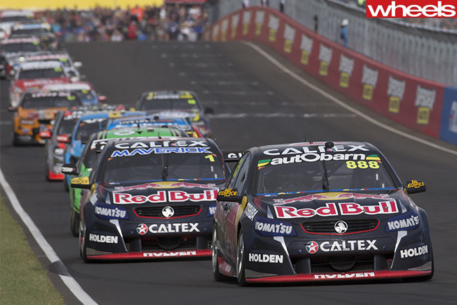 Lowndes -leads -Supercheap -Bathurst -1000