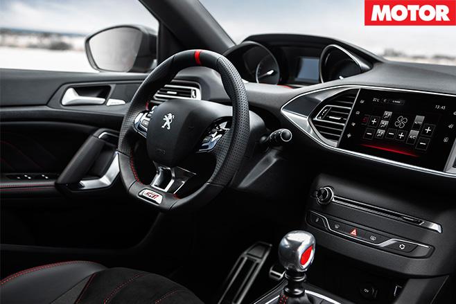 Peugeot 308 GTi 270 interior