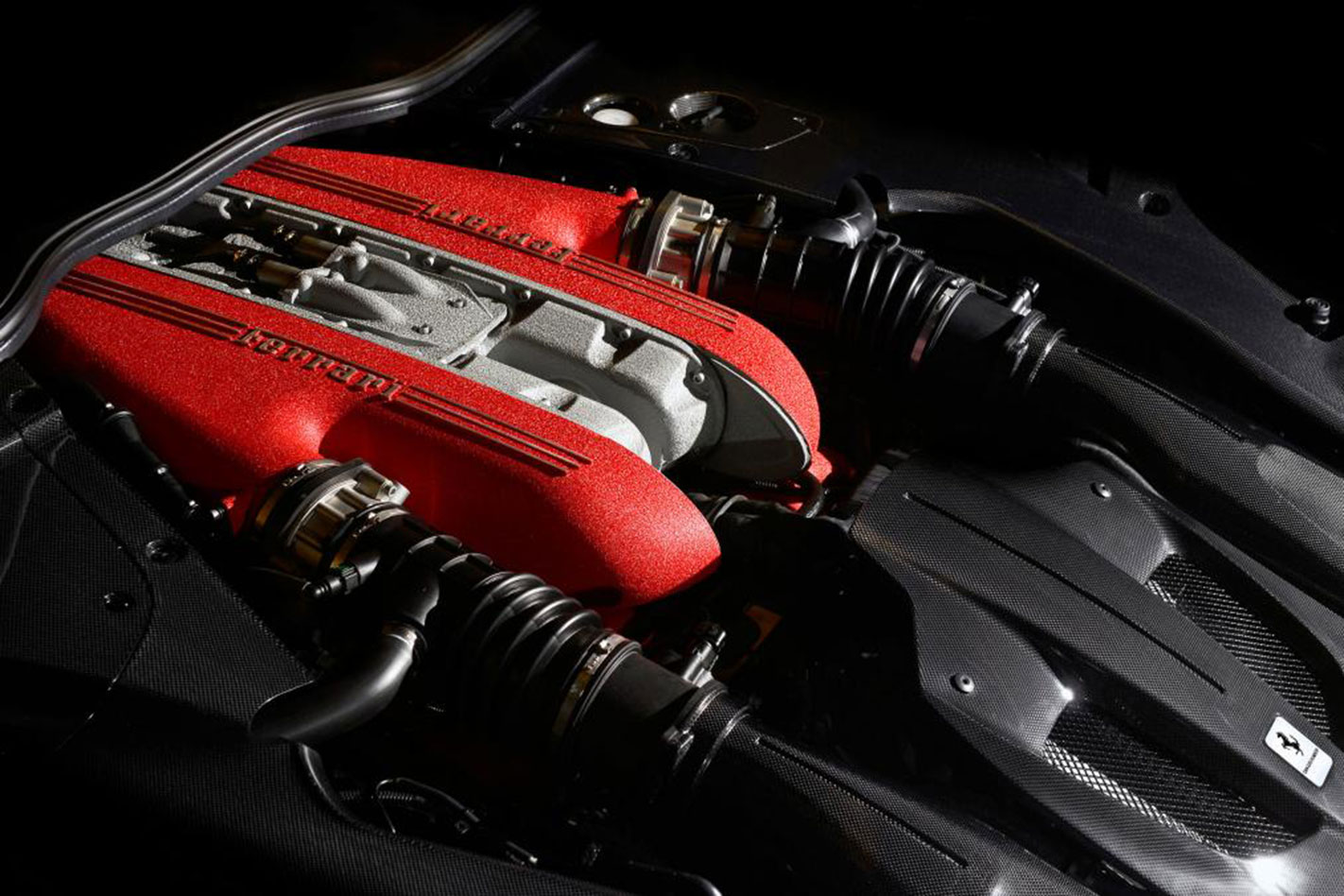 Ferrari -F12tdf -engine