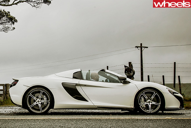 Mc Laren -650s -side -roof -down