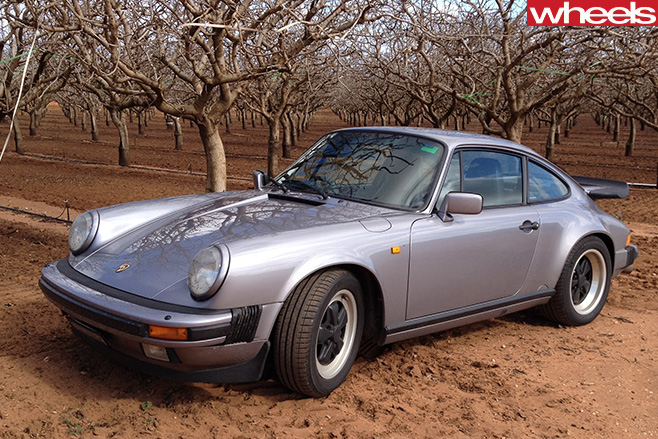 1989-Porsche -911-Carerra -parked -on -dirt
