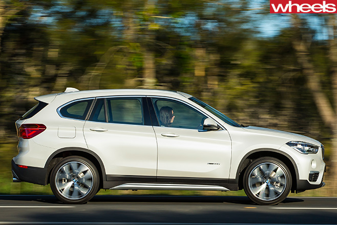 BMW-X1-side