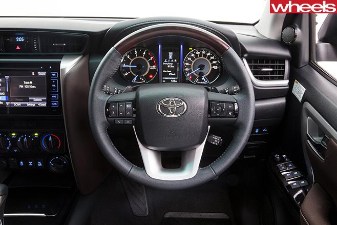 Toyota -Fortuner -steering -wheel