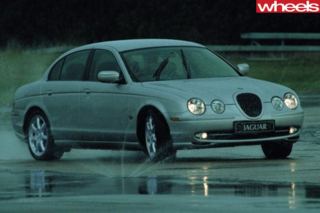 Jaguar -S-Type