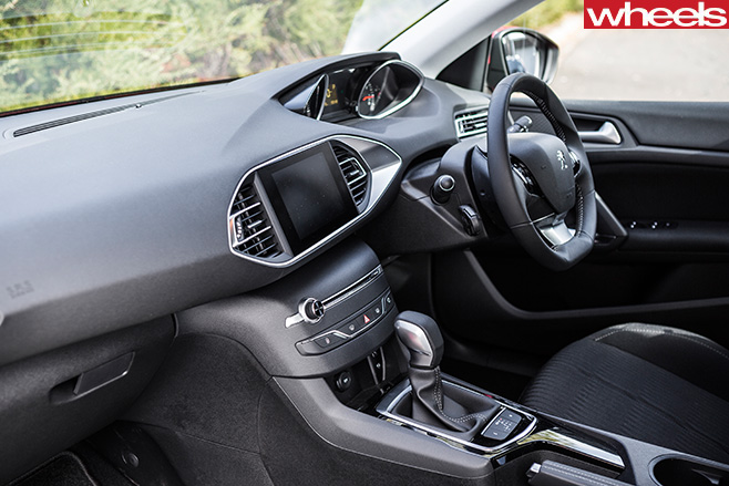 Peugeot -308-interior -from -passenger -door