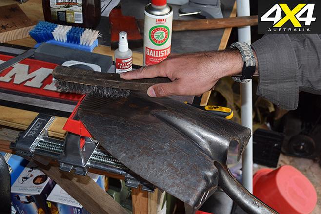 Recovery gear maintenance shovel