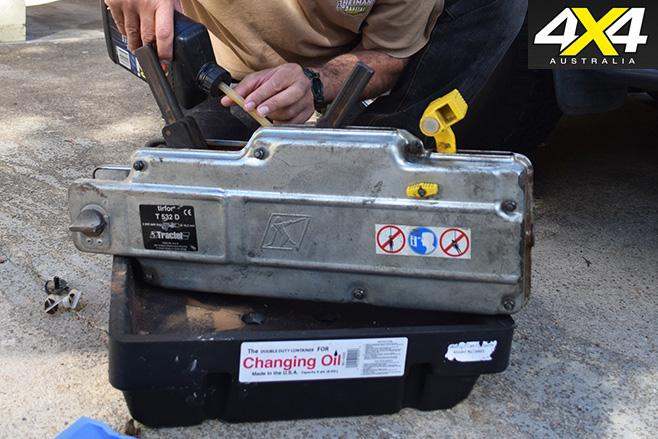 Recovery gear maintenance oil change
