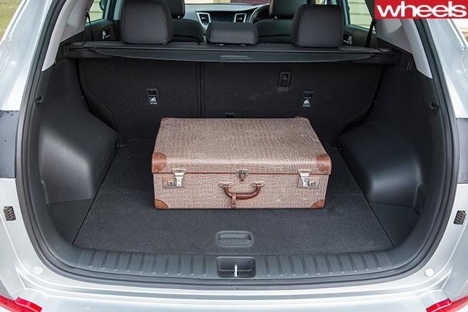 Hyundai Tucson boot space