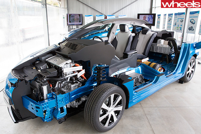 Blue -toyota -mirai -engineering