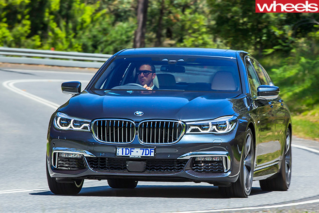 Bmw -7-Series -front -driving -on -road