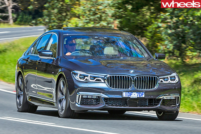 Bmw -7-Series -front --sidedriving -on -road