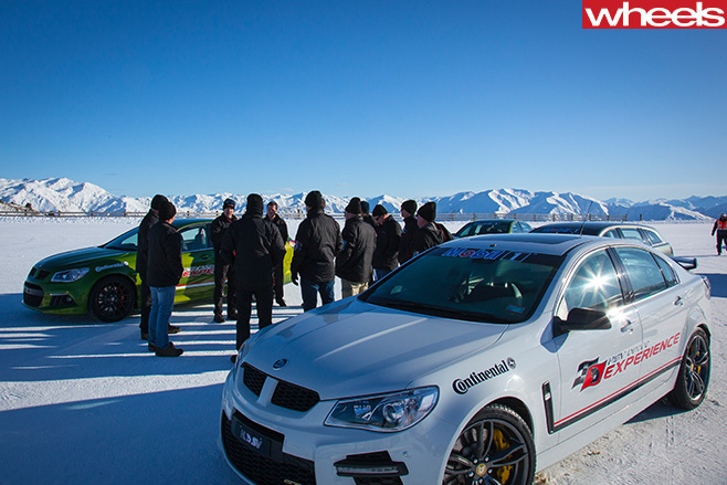 HSV-Ice -drive -experience -drfiting -day -in -cardrona -snow -fields -new -zealand