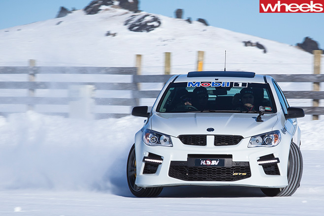 HSV-GTS-front -sideways -Drifting -in -Snow