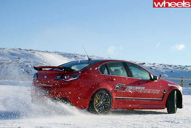 HSV-GTS-side -Drifting -in -Snow