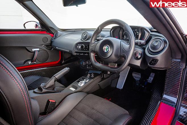 Alfa -Romeo -4C-interior