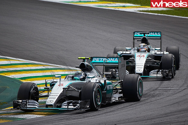 Nico -Rosberg -and -Lewis -Hamilton -driving -in -Sao -Paulo -Brazil -F1
