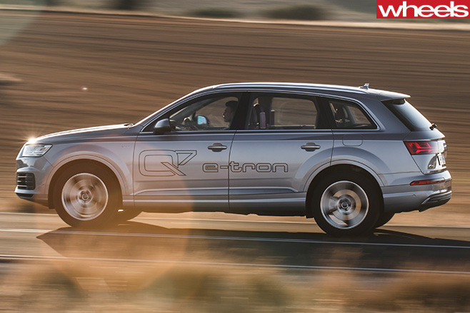 Audi -Q7-e -tron -side