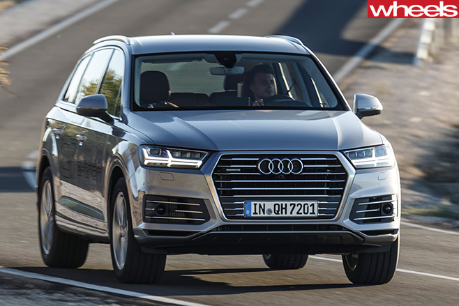 Audi -Q7-e -tron -driving -front -side .-drivingjpg