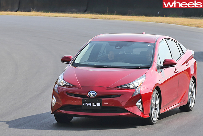 Toyota -Prius -driving -front -driving