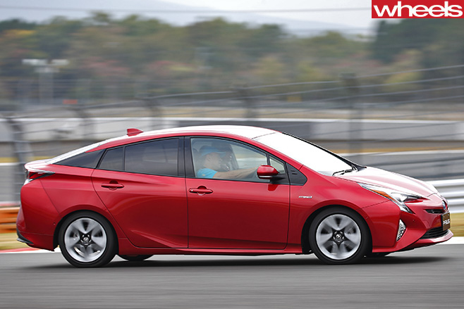 Toyota -Prius -driving -side -driving