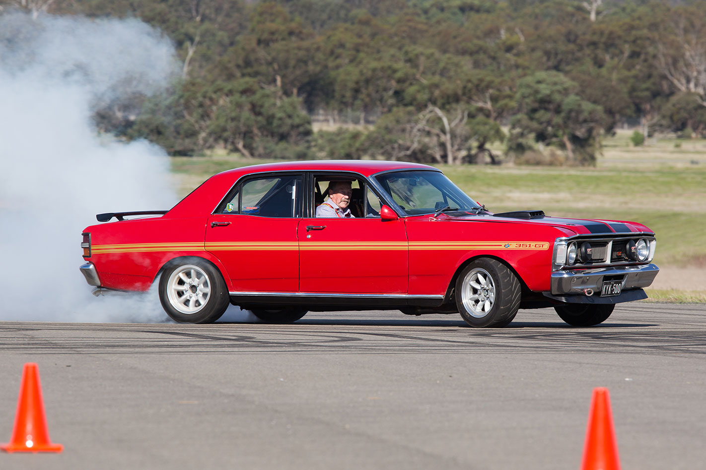 Ford -XY-Falcon -GT-HO-Phase -III-drift