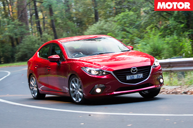 Mazda 3 sp25 turning