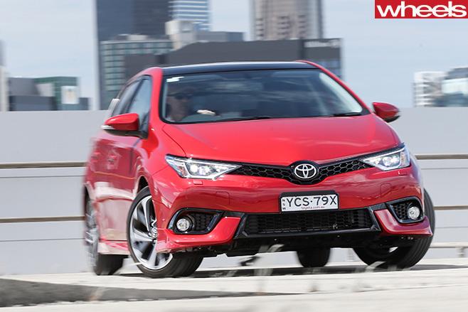 Toyota -Corolla -front -driving -comparo-