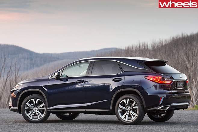 Lexus -RX-200t -luxury -side -rear