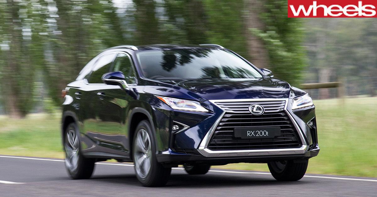 Lexus -RX-driving