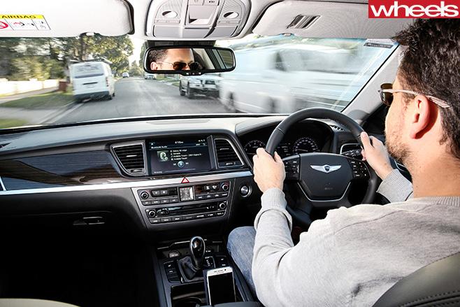 Hyundai -Genesis -interor -driving