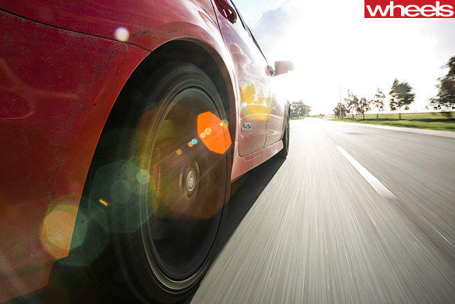 Holden -Commodore -rear -wheel -spinning