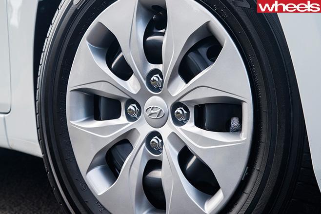 Hyundai -accent -wheel
