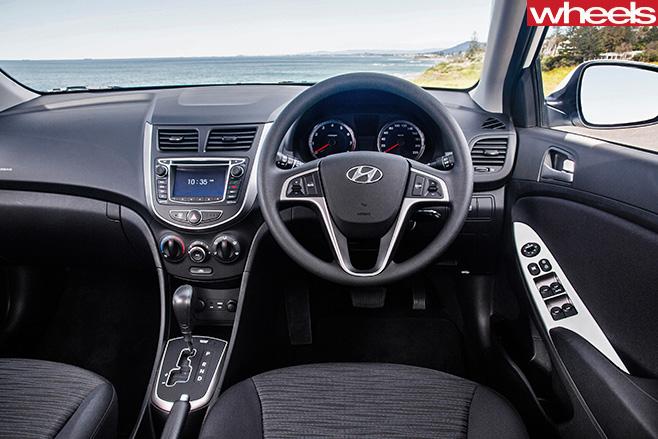 Hyundai -accent -interior