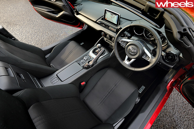 Mazda -MX-5-interior -top