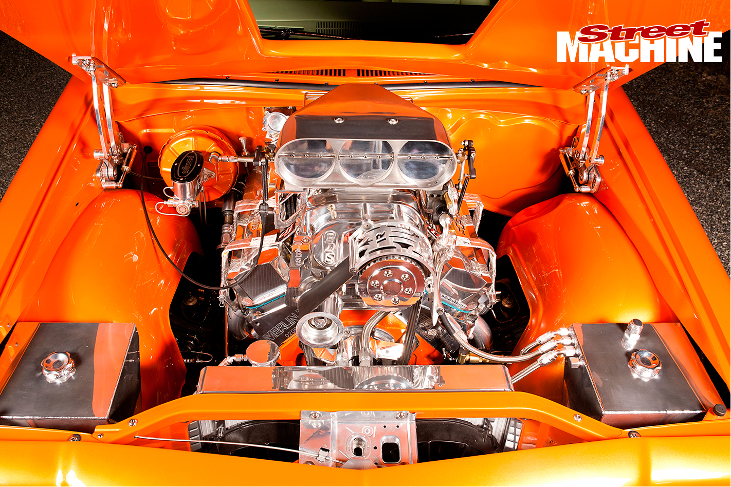 HQ-Monaro -engine -2