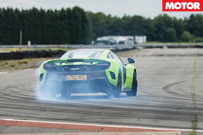 Mclaren 675LT drift