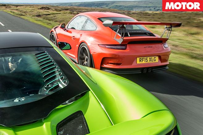 Porsche 911 gt3 rs vs mclaren 675LT 2