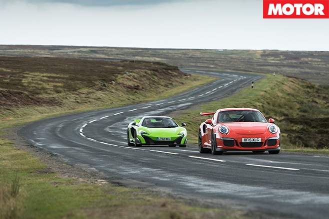 Porsche 911 gt3 rs vs mclaren 675LT country road