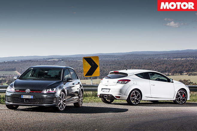 Renault Megane RS265 vs Volkswagen Golf GTi Performance 2