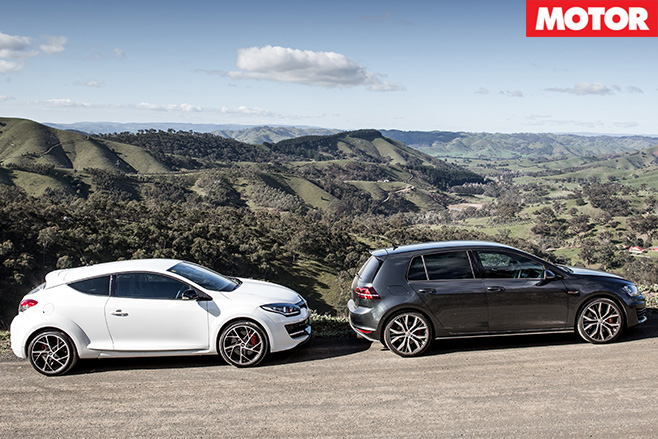 Renault Megane RS265 vs Volkswagen Golf GTi Performance 3