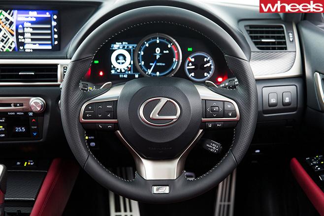 Lexus -gs 200t -interior2