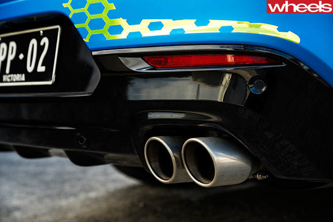 Walkinshaw -W547-exhaust